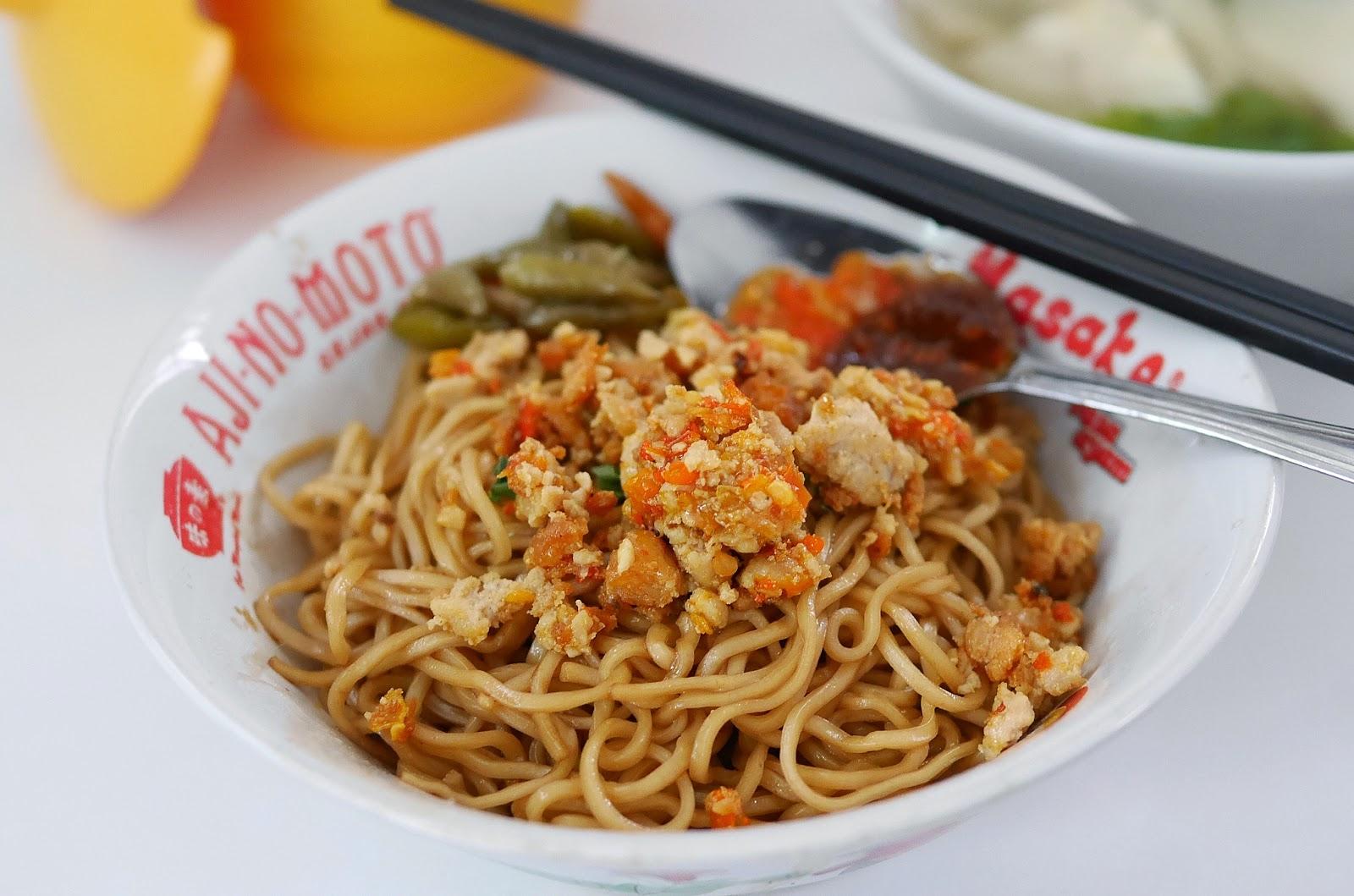 Mie Naripan 127: Best Yamin Noodle in Bandung | HeyTheresia - Indonesian  Food & Travel Blogger