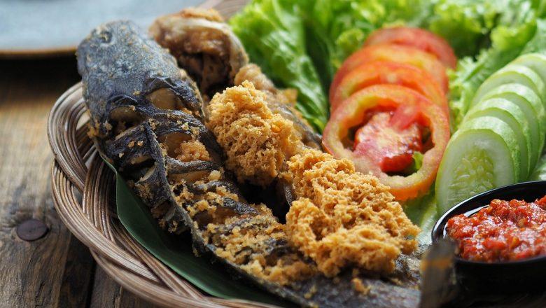 3 Referensi Tempat Makan Pecel Lele Di Bandung - STAR GLAM ...